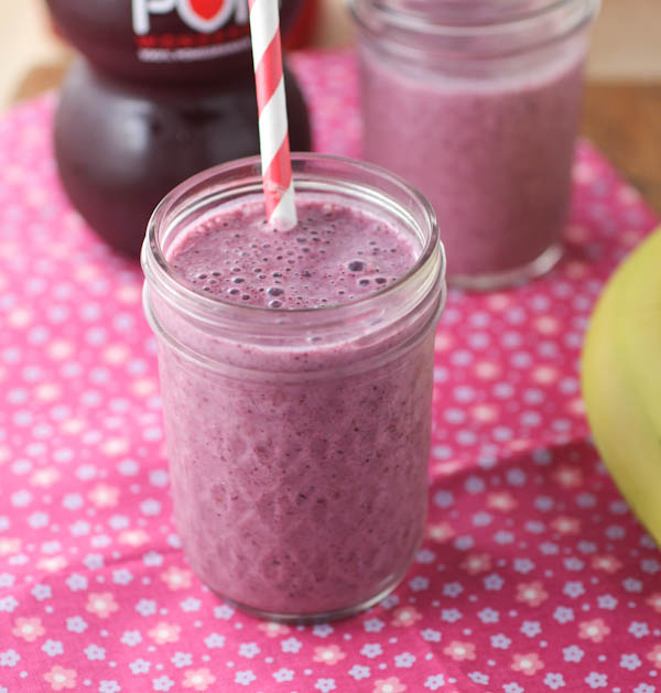 Blueberry-and-Flaxseed-Smoothie1-1881